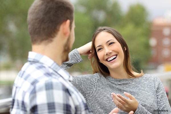 О чем говорить с девушкой. Как себя вести сдевушкой
